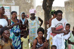 Accueil par les femmes de Wandié