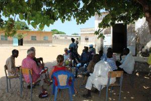Concertation à Fafako sous le manguier